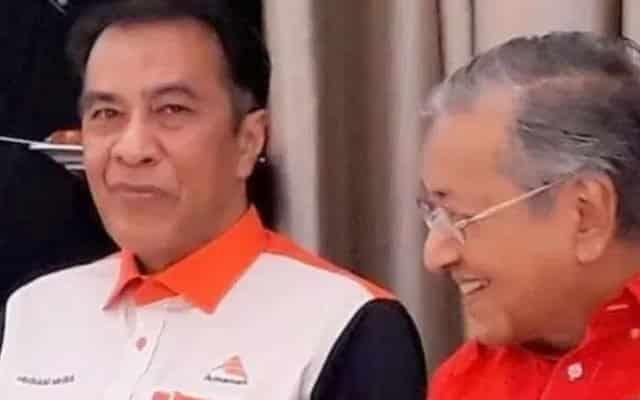 Jika pembangkang mahu guna Mahathir bagi rampas kerajaan, ia hanya buang masa – Husam