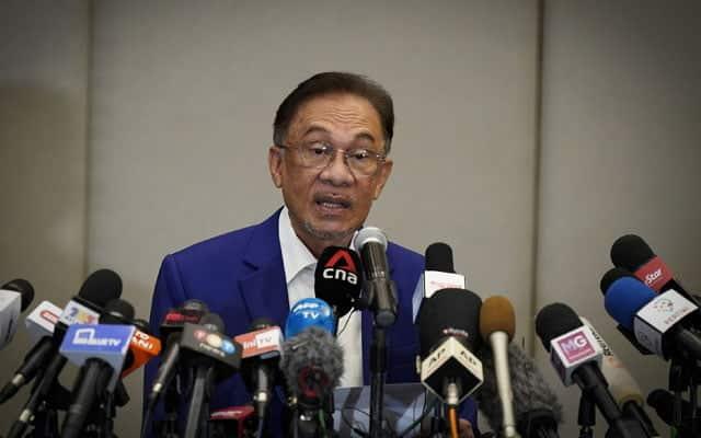 Gempar !!! Jumlah ahli parlimen hantar warkah kepada Agong sudah cecah nilai majoriti