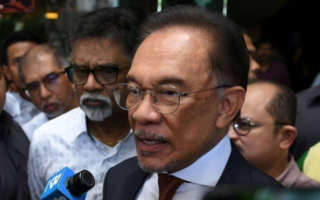 Gempar !!! Anwar akan bentang sokongan 113 ahli parlimen dalam masa terdekat
