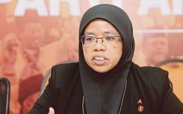 Penyumbang politiking tidak berkesudahan adalah Abdul Hadi sendiri – Aiman Athirah