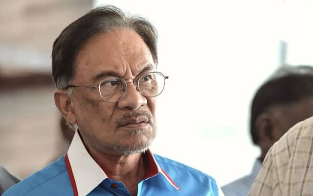 Anwar cabar nasihat PM gantung parlimen di mahkamah