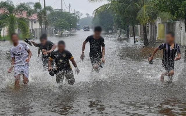 'Main' banjir : 75 kena kompaun dengan Polis Kelantan