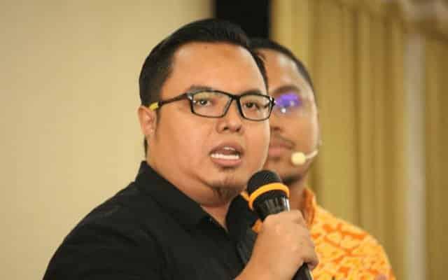 Berhenti serang Anwar!!! Pemuda Amanah tegur Mahathir