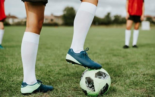 Aktiviti bolasepak, bola keranjang, hoki dibenarkan dengan syarat main secara berseorangan
