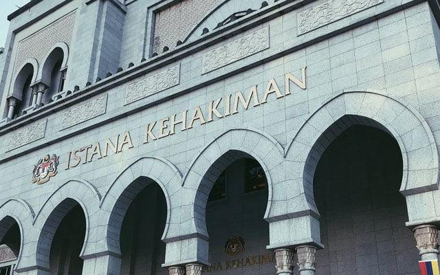 Panas !!! Mahkamah benarkan Rosliza Ibrahim bebas amal ajaran agama bukan Islam