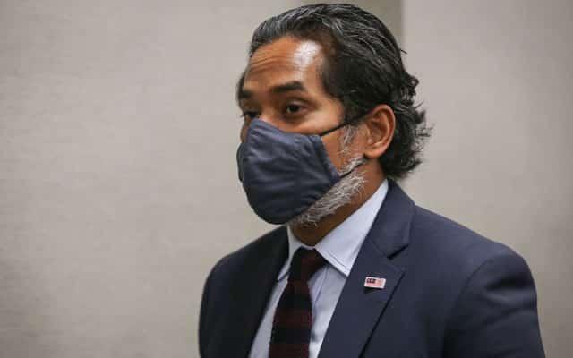 Panas !!! Vaksin Sinovac dah tiba di Malaysia, tapi menteri tak tahu bila akan diluluskan