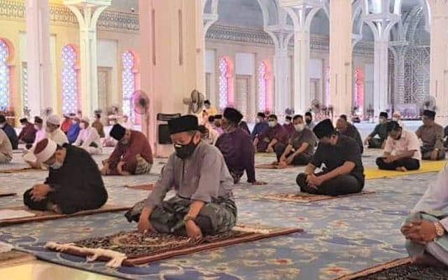 Solat fardhu berjemaah dan Jumaat dibenarkan ikut keluasan masjid di Pulau Pinang
