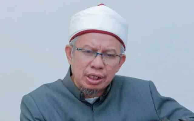 Panas !!! Dakwaan 'krisis' di MAIWP, blogger Umno mahu Muhyiddin tukar Menteri Agama