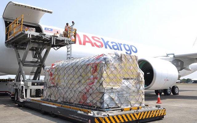 Terkini !!! Dos vaksin Sinovac tiba di Malaysia pagi ini