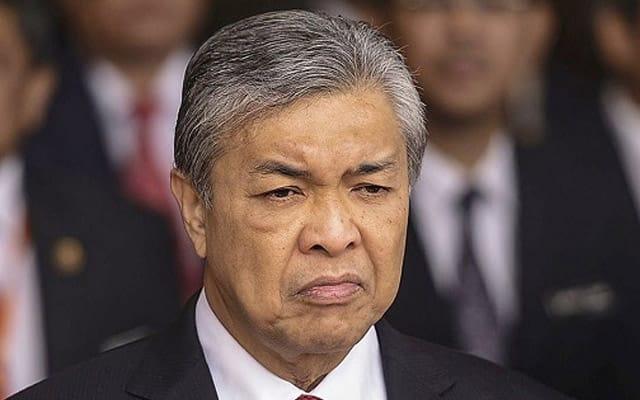 Musuh serang kiri dan kanan, pemimpin umno masih enggan mengalah – Zahid