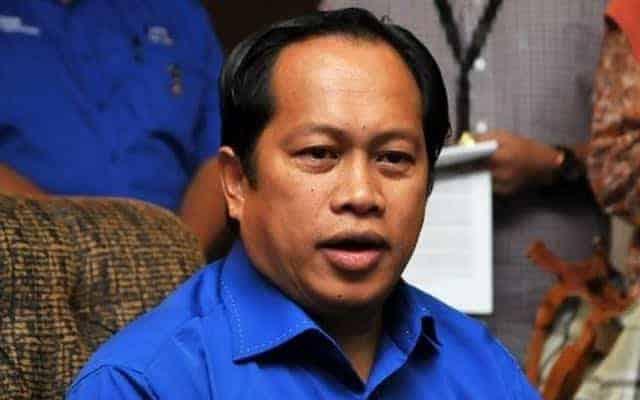 Putus hubungan dengan Bersatu : Muhyiddin yang minta Umno jelaskan pendirian, dakwa Ahmad Maslan