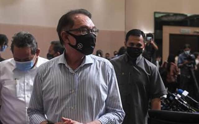 Dakwaan 'sogokan' : Anwar akan atur pertemuan dengan KP SPRM