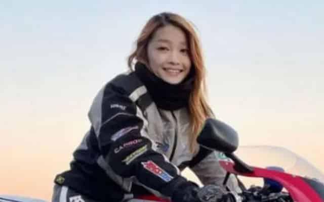 Akhirnya terbongkar gadis jelita penunggang motosikal ini rupanya lelaki 50 tahun