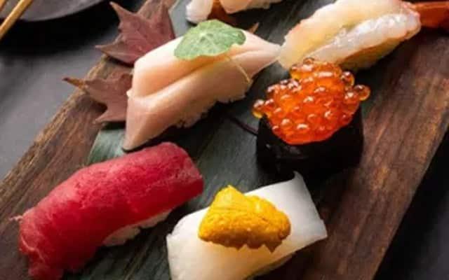 Wanita ini dedah restoran sushi terkenal sedia menu tidak halal