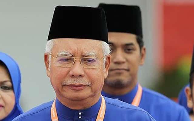 Persoal jumlah vaksin, Khairy kantoikan Najib gagal patuhi temujanji vaksinisasi