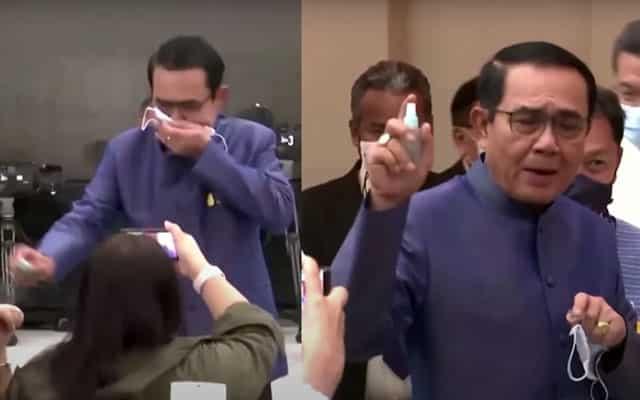 Tak berkenan dengan soalan, PM Thailand sembur wartawan dengan sanitizer