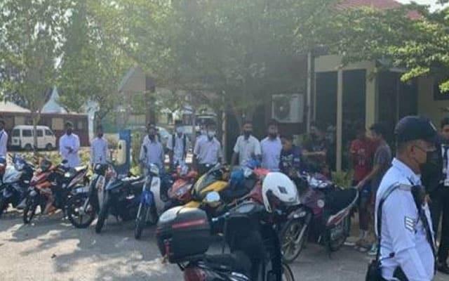 63 pelajar kena saman kerana berpesta rai hari terakhir SPM atas jalan