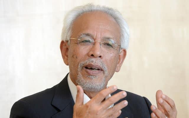 Pemilihan Ketua Kampung : Bersatu tiada calon berwibawa, bidas Shahrir Samad