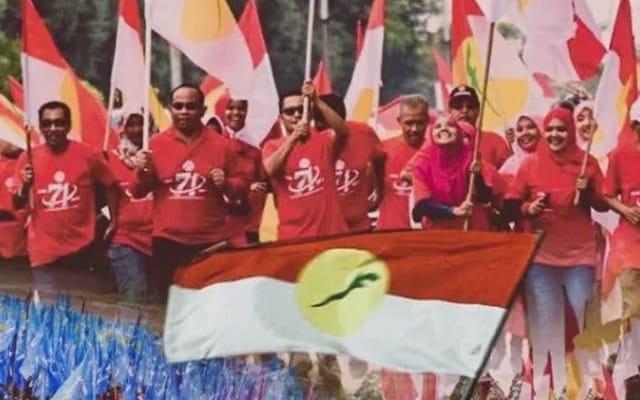 """Gempar !!! Umno akan singkir pimpinan """"kluster mahkamah""""?"""