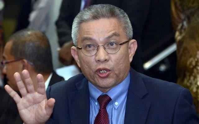 870 frontliners positif Covid-19 walaupun sudah divaksin – Menteri