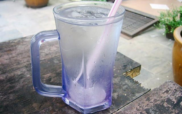 Harga air kosong cecah RM 1.50, peniaga diberi notis