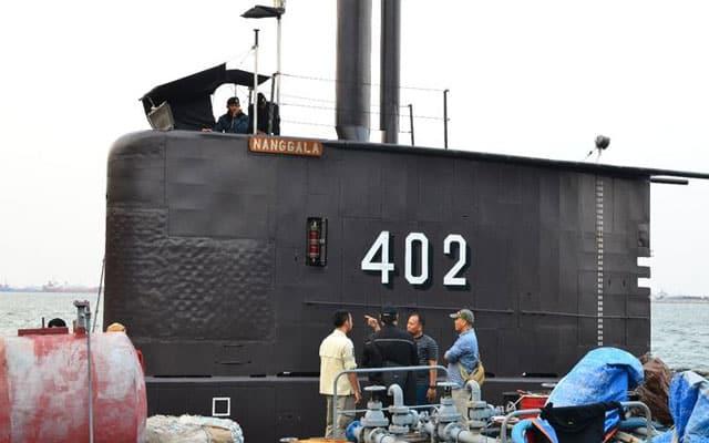 Terkini !!! Serpihan kapal selam tentera Indonesia yang dilapor hilang ditemui