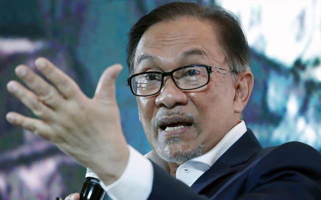 Anwar bidas kenyataan Menteri Undang-undang