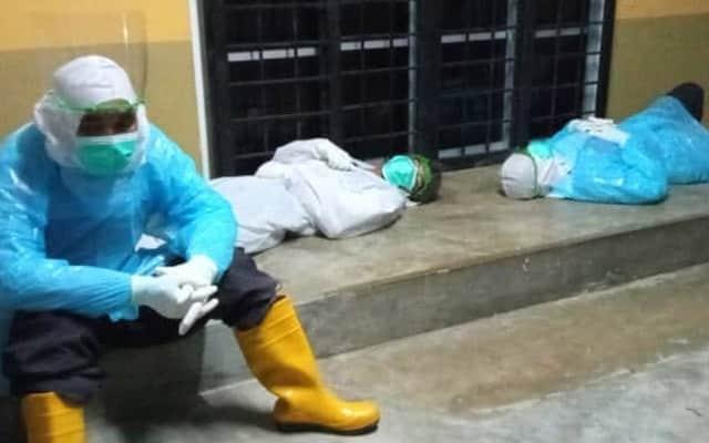 Gambar frontliners Kelantan tertidur kepenatan bikin netizen sayu