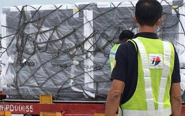 1 juta lagi vaksin selamat tiba di Malaysia