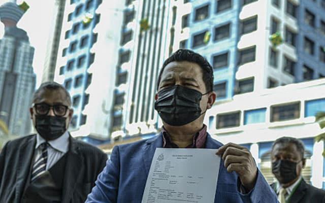 Dakwa difitnah, setiausaha politik menteri buat laporan polis terhadap Sarawak Report