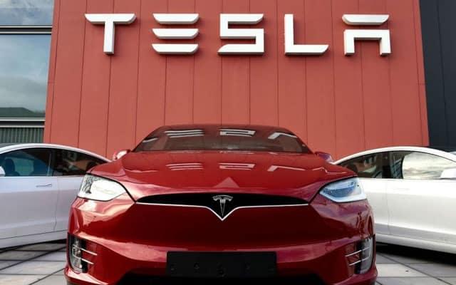 Teknologi kamera dicurigai, Beijing larang penjawat awam 'parking' kereta Tesla dalam bangunan