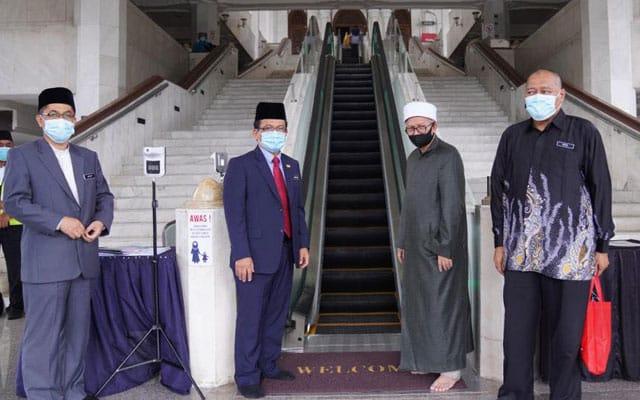 Menteri Agama meninjau pemasangan eskalator di Masjid Wilayah