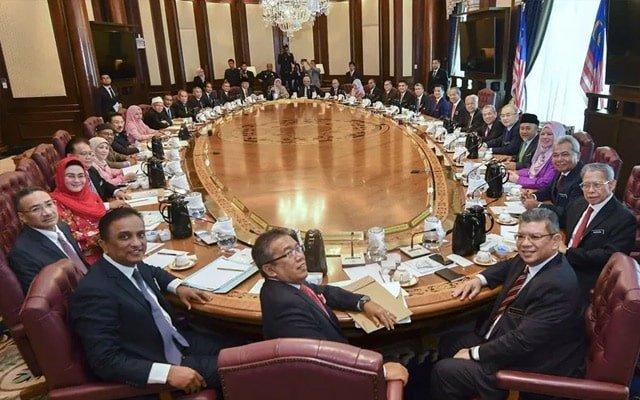 Pemimpin Umno senarai 7 menteri yang tidak berfungsi