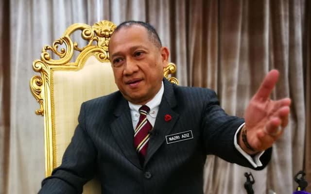 Wayang !!! Nazri dedah menteri Umno belum diarah tarik diri dari kerajaan PN