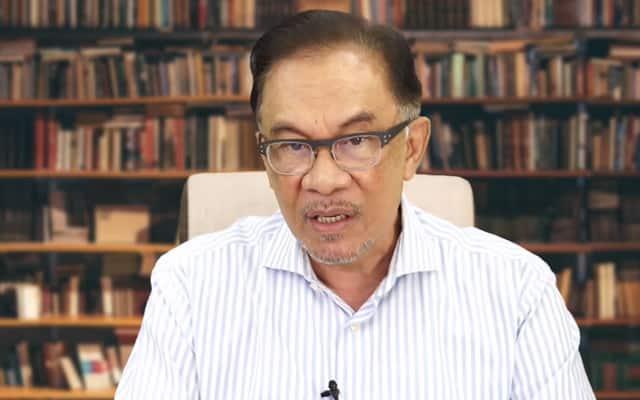 Pejabat Parlimen Anwar pergiat usaha bantu warga emas daftar dan dapatkan vaksin