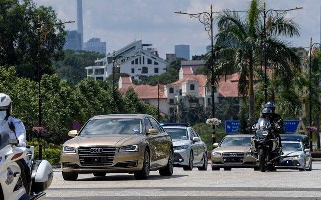 Terkini !!! Raja-Raja Melayu tiba di Istana Negara untuk mesyuarat khas