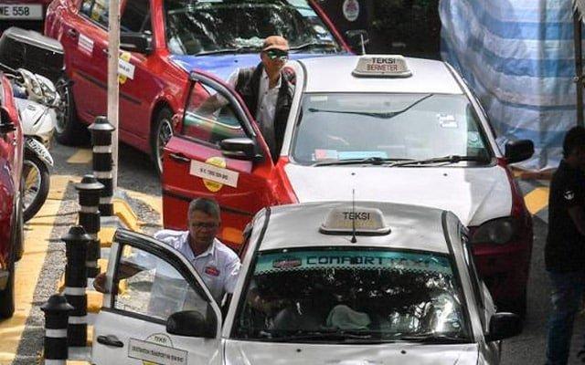 Pemandu teksi pening nak ikut SOP yang mana satu