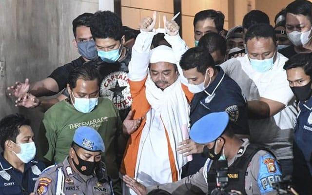 Ulama Indonesia dipenjara 4 tahun kerana sorok keputusan Covid-19