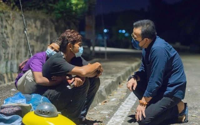 Steven Sim bantu keluarga ini dari hidup gelandangan hingga dapat kerja bergaji RM3K