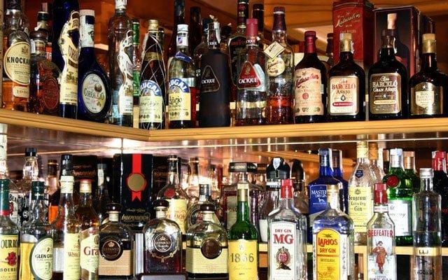 Terkini !!! Kedai serbaneka, pasar raya sekitar KL dibenarkan jual minuman keras sepanjang lockdown