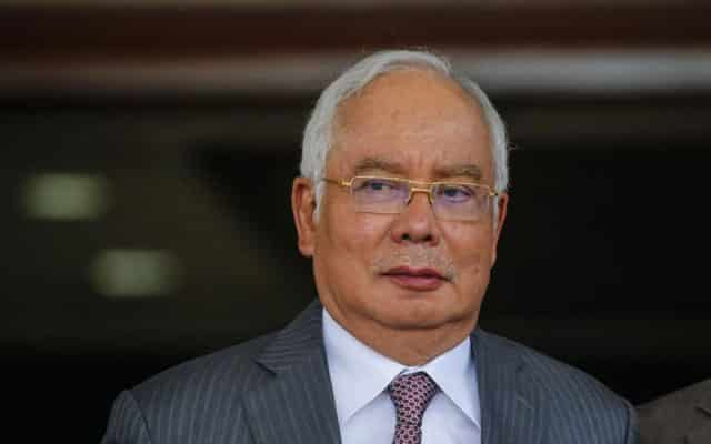 Umum darurat pelabur lari, lepas tu mengeluh tak ada duit, sindir Najib