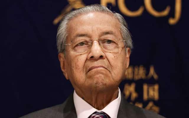 Panas !!! Mahathir tak masuk senarai menghadap Agong, kata sumber