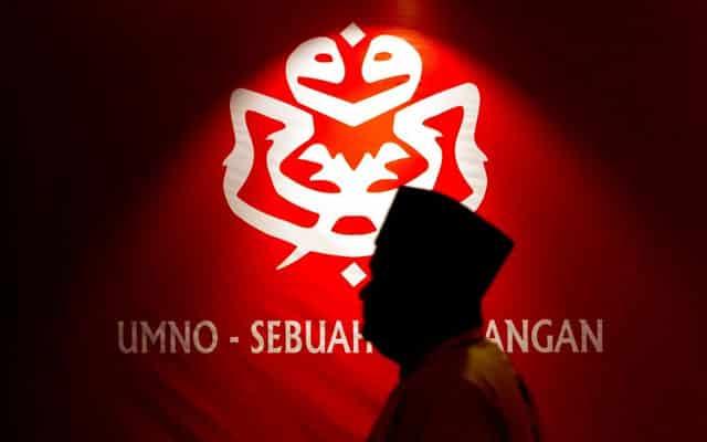 Untung nasib kerajaan PN ditentukan Umno malam ini