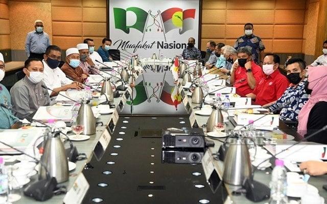 """Jangan bisu dan pekak ketika jadi penguasa"", pemimpin Umno tegur Pas"