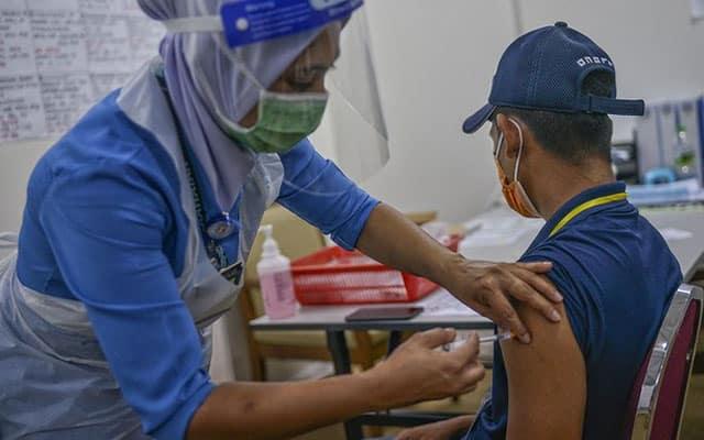 Vaksin : 14.6 peratus populasi sudah terima 2 dos suntikan di Malaysia