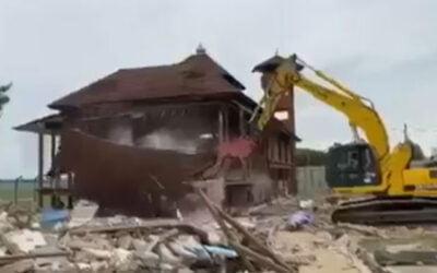 Surau Lapangan Terbang di Kelantan kena 'sodok'